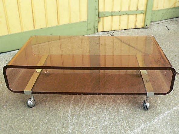 les dedees vintage recup creations la table basse vintage en plexiglas by kate. Black Bedroom Furniture Sets. Home Design Ideas