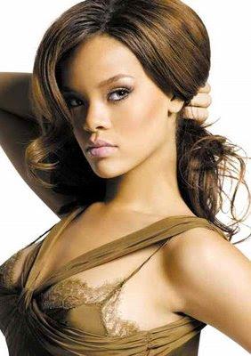 Umm Rihanna Hot Singer Sexy Hair Style Pics