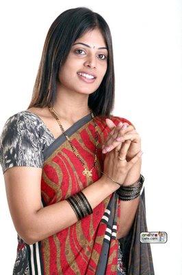 Sindhu Menon Sexy Saree Gallery Pics