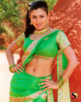 hot sexy girl malavika hot navel shoe wallpapers/posters