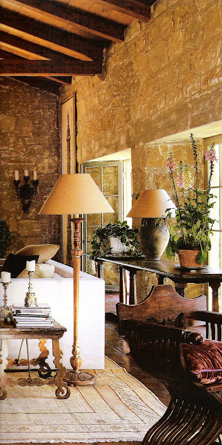 Image from the book: Style by Saladino, as seen on linenandlavender.net, http://www.linenandlavender.net/2010/01/design-daily-john-saladino-feature.html
