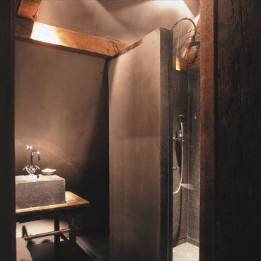 Zen bathroom, Timeless Interiors by Axel Vervoordt, edited by lb for linenandlavender.net (l&l)