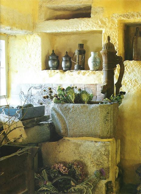 Antique pump and stone sink, Maisons Côté Ouest Dec 2000-Jan 2001, as seen on linenandlavender.net