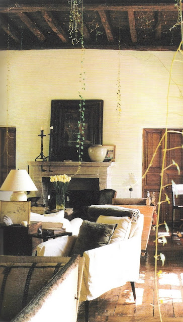 Living room composed by Rose Tarlow from The Private House, edited by lb for linenandlavender.net