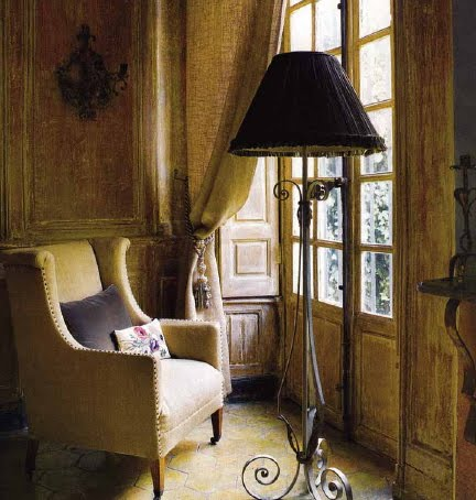 Image via Hôtel des Tailles website as seen on linenandlavender.net