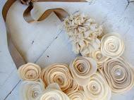 Collar de rosas de tela
