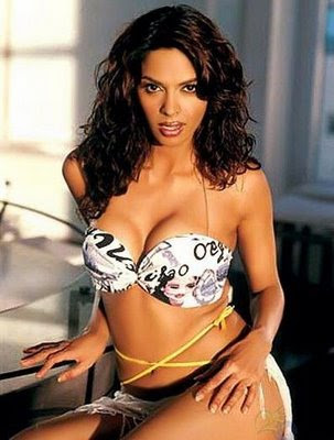 Mallika Sherawat Sexy Trend Bikini