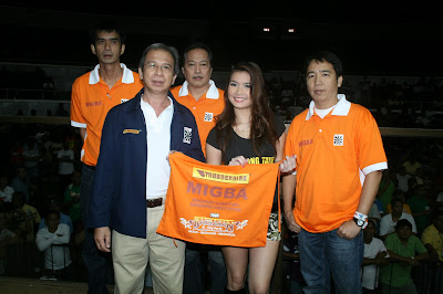 Nasser (NFGB VP for Mindanao) and Bobot Tan - 2006 Bakbakan champion