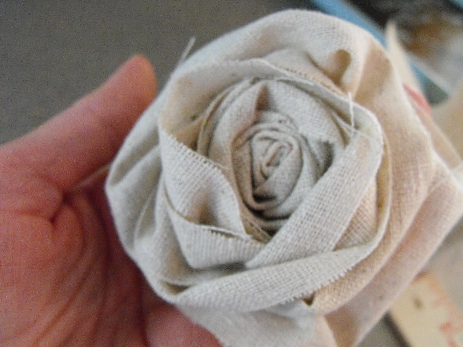 How to make rosette flowers out of paper
