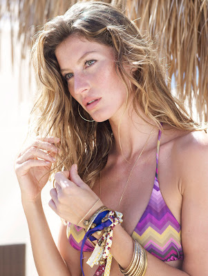 Gisele Bundchen Hot for Calzedonia
