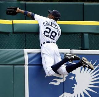 Curtis Granderson robs a homer