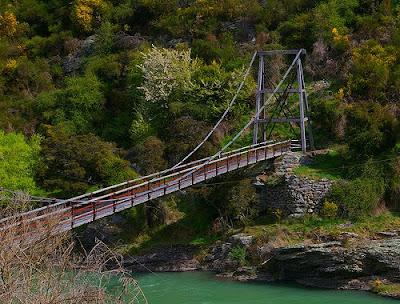 Horseshoe Bend Footbridge, photo courtesy Borealnz, Flickr