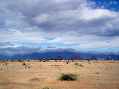 http://2.bp.blogspot.com/_nV3KxxK1WGk/SerCeW4YP6I/AAAAAAAABrU/6HDEGI7Ceew/s400/Agasthiyamalai_range_and_Tirunelveli_rainshadow.jpg