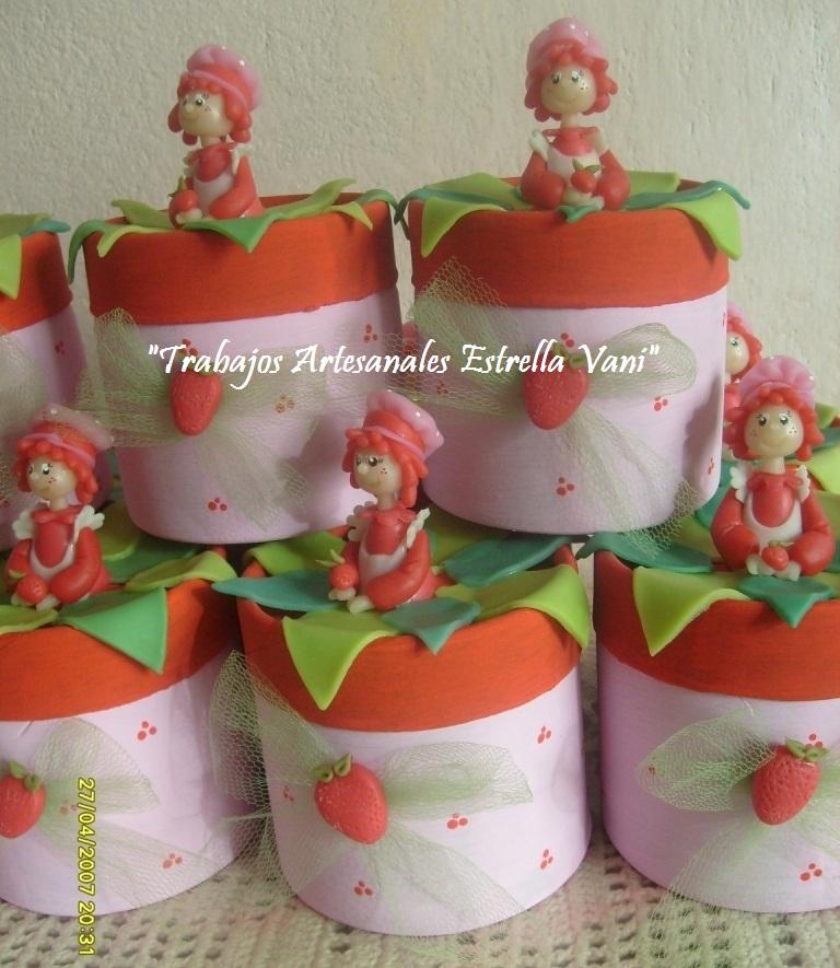 """TRABAJOS ARTESANALES """"ESTRELLA VANI"""": Un cumpleaños con Frutillitas..."""