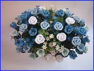 вязать цветы букет