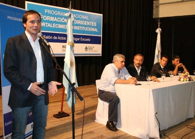 A su salud capacitacion politica camau firm convenio for Ministerio del interior nacion
