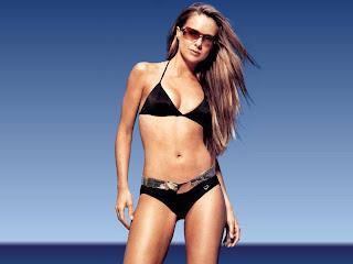 sexy Singer Belinda Chapple