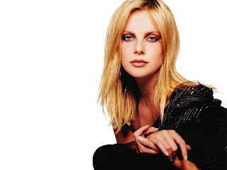 Charlize Theron- wallpapers,photos,biography,pics