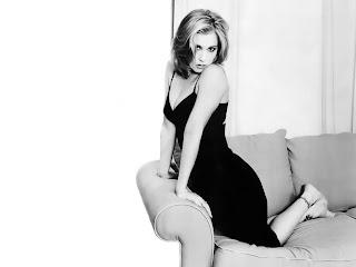 Christina Applegate-wallpapers,photos,biography,pics