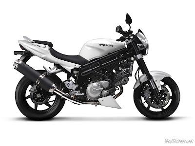 motorsport Hyosung GV700i Aquila