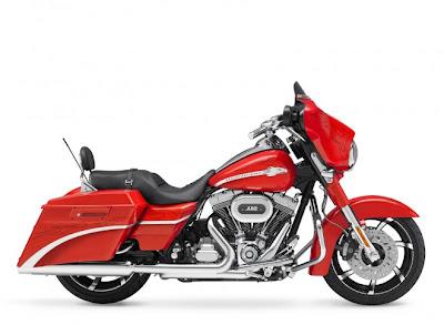 CVO Street Glide Harley-Davidson red edition