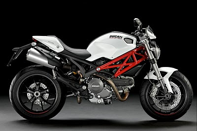 pic Ducati Monster 796 wallpaper