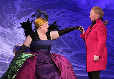 (L to R) Rebekah Camm (Alcina) and Elizabeth DeShong (Ruggiero) in Alcina, Wolf Trap Opera, 2008 (photo courtesy of Carol Pratt)