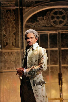Mariusz Kwiecień (Count Almaviva) in Act III of Le Nozze di Figaro, sets and costumes by Paul Brown, Santa Fe Opera, 2008 (photo © Ken Howard)