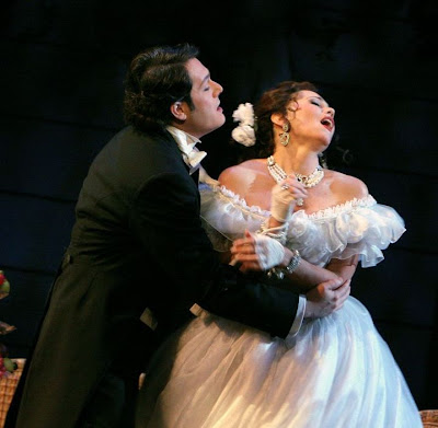 Arturo Chacón-Cruz (Alfredo) and Elizabeth Futral (Violetta) in La Traviata, Washington National Opera, 2008, photo by Karin Cooper
