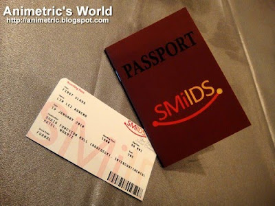 Smilds passport and boarding pass