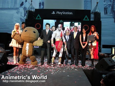 Sony cosplay models, Sackboy, and Sony officials