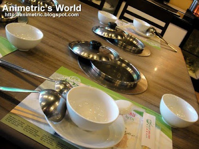 Table setting at Healthy Shabu-Shabu