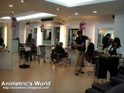 Inside Razzle Dazzle Salon