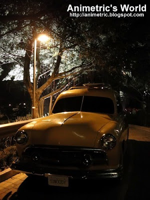 Car at Mulholland Drive replica in HK Disney Hollywood Hotel