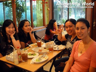 Bloggers at Greens Vegetarian Restaurant and Cafe