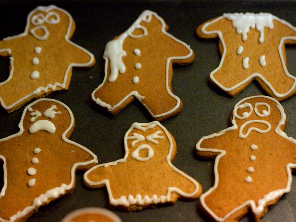 Miss yellow shoes christmas decorations part 9 - Decorations for gingerbread man ...