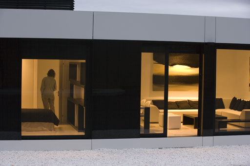Elegante y moderna casa blanca modular por a cero for Casas blancas modernas