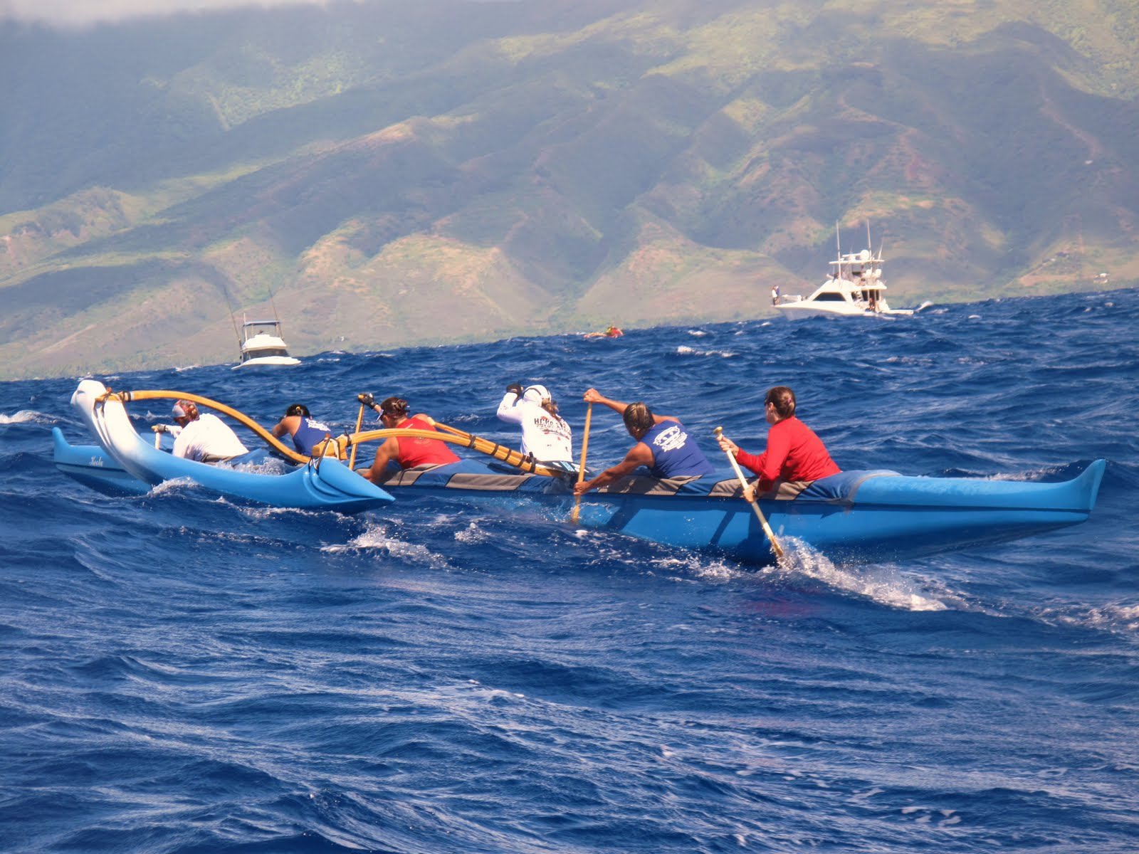 Hawaii Outrigger Canoe Paddling – Competitive and Recreational ...