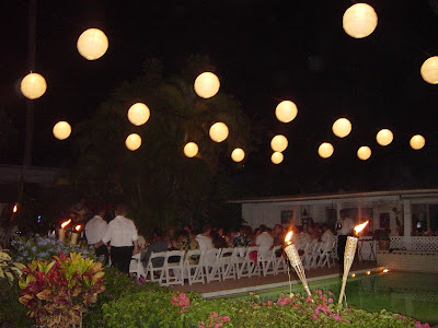 deb%2Bshower%242CAaron%2Bdinner%2BLIGHTS%2B026 Decorating with Paper Lanterns