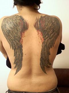 Asas nas costas