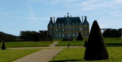 Chateau-de-Sceaux-France-Castles