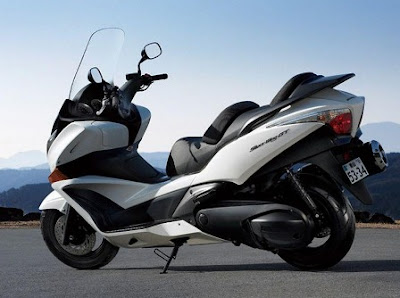2010 Honda Silverwing GT 600 motorcycle