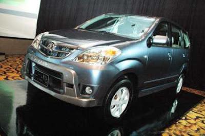 2010 Toyota Avanza G A / T Test Drive: User Reviews