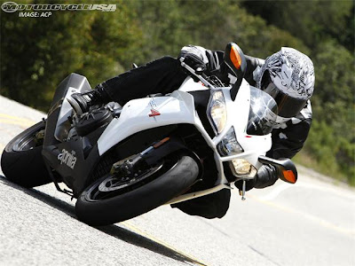 2010 Aprilia RSV4R Street Smackdown Picture 21 of 23