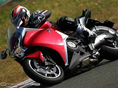 New 2011Honda VFR1200F Price and Specification