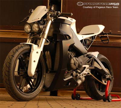 2011 Buell Typhon 1190 Street Fighter First Look