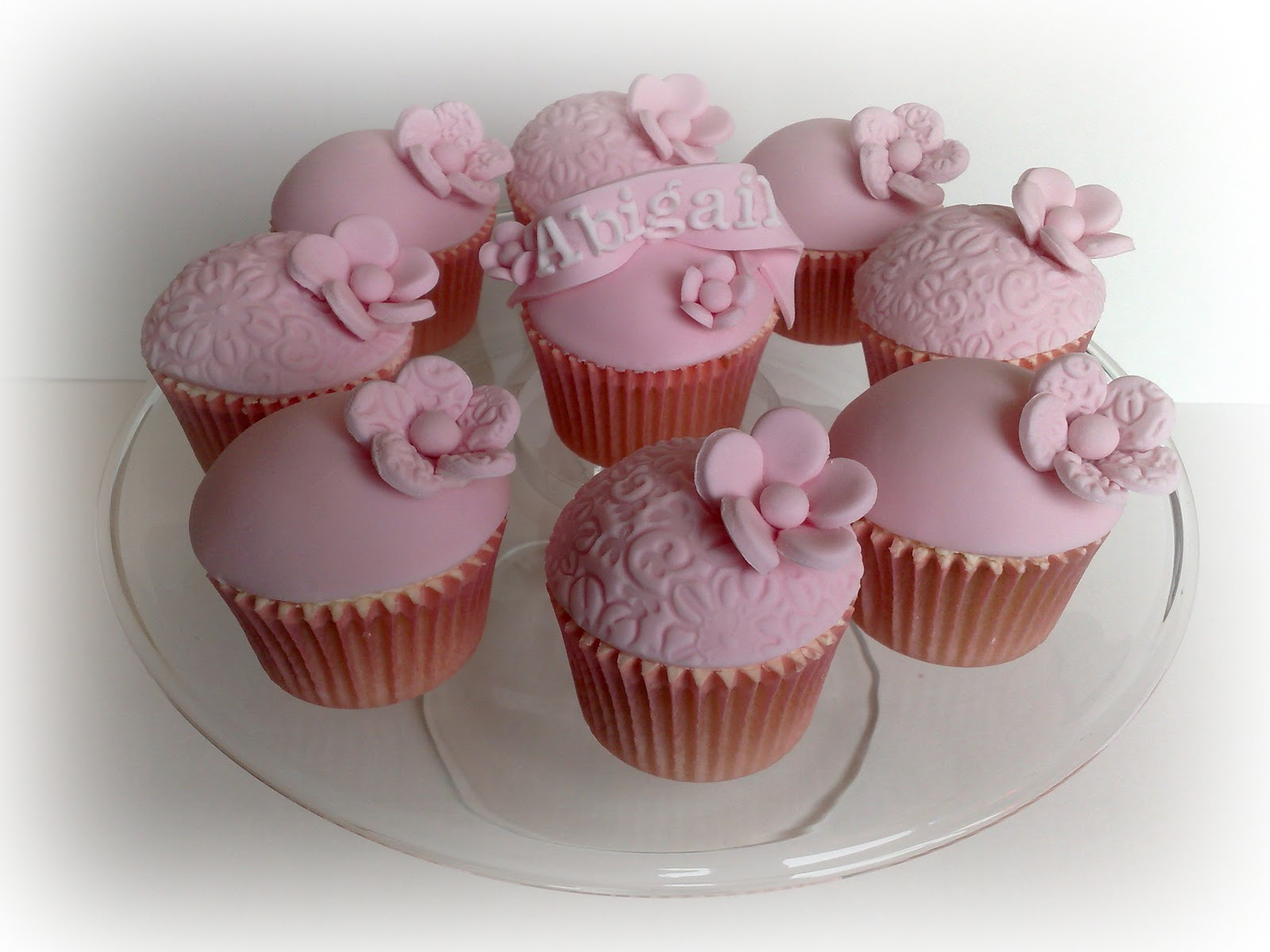 Cupcake Christening Design : Small Things Iced: Christening Cupcakes