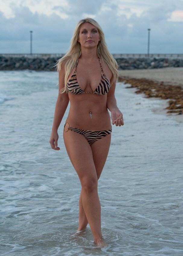 Brooke Hogan Bikini Pics
