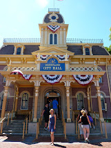 Disneyland City Hall