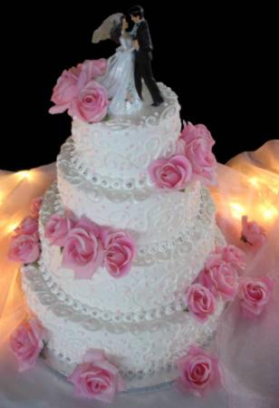 world of cakes buttercream cake with silk roses